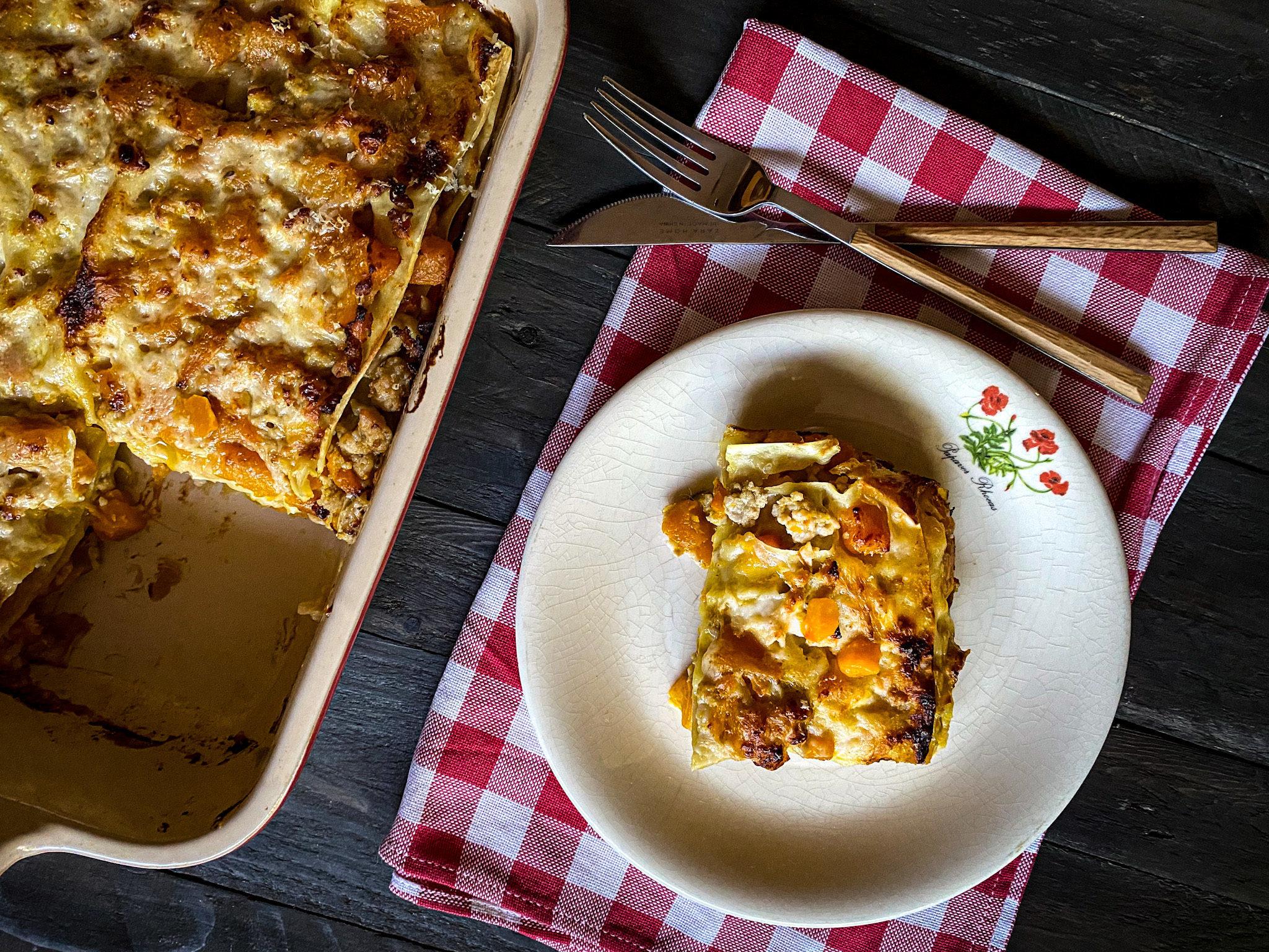 Lasagna con ragù di pollo e zucca
