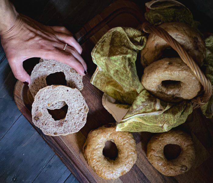 Cinnamon Raisin Bagels: un'idea sfiziosa per il brunch